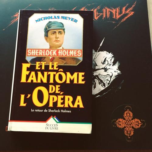 Sherlock Holmes et le fantôme de l'opéra.JPG